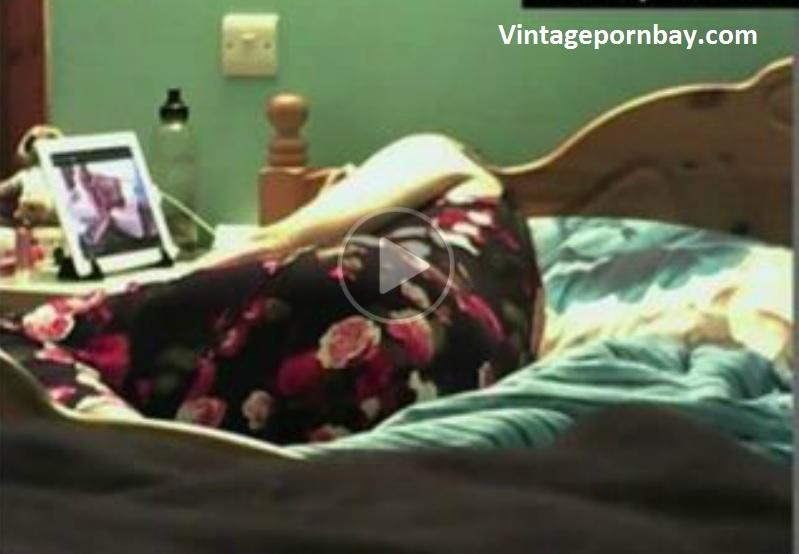 Spying Amateur Milf in Her Bedroom!