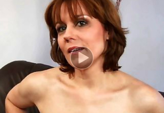 Milf Mom Doesn't Want a Sex But She Does!