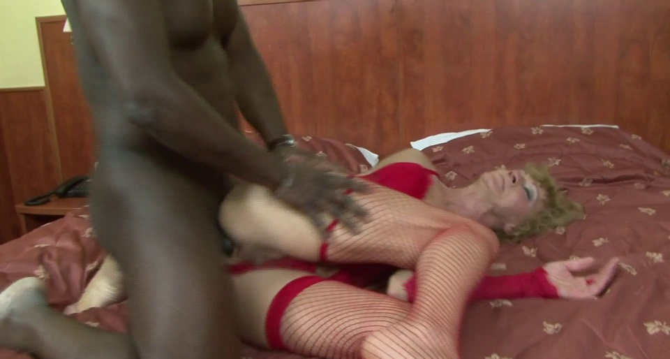 Mature and Her Black Lover [1080p]