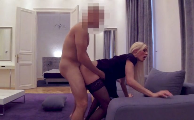 Russian milf fucked in hotel room [HQ]