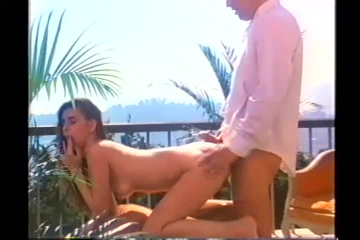Vintage Beauty in Summer Sex (1980s) [Download]