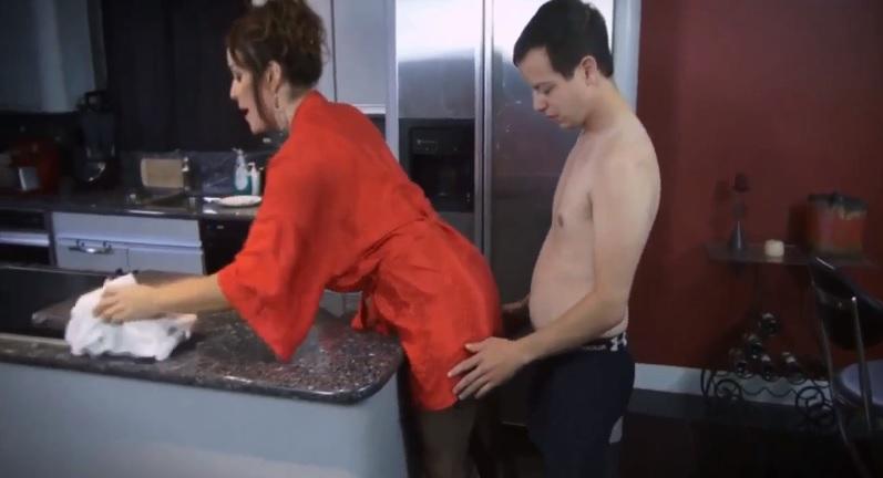 Unexpected Fuck for MILF Rachel in Kitchen!